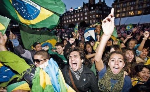 """巴西当下国情陷入""""中等收入陷阱""""  央行大幅降息100基点"""