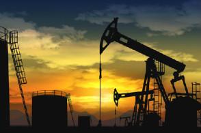 美国原油期货价格周五收盘上涨  油价则仍旧有所下跌
