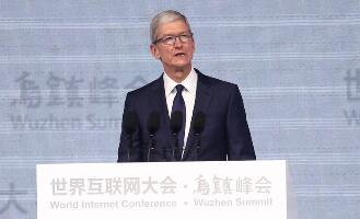 苹果公司CEO库克:我不担心机器变得像人,我担心的是人变得像机器