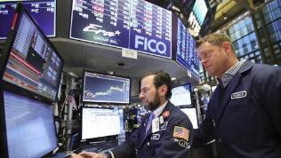 美国周二遭遇股债双杀 黄金期货跌超2% 道指结束八连涨