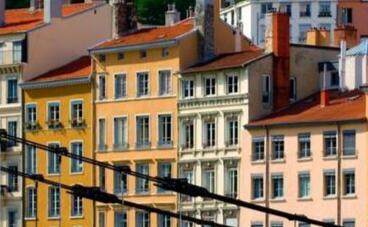 柏林房价一年涨20% 默克尔承诺为住房预留了60亿欧元资金