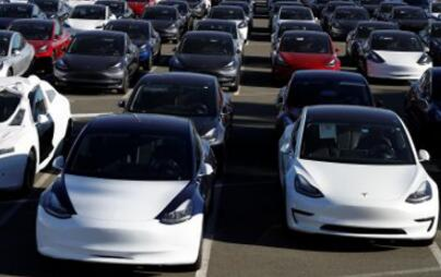 特斯拉抛弃预订 率先向北美所有客户开售Model 3