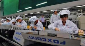 富士康考虑将中国工程师派往美国新厂缓解用工压力