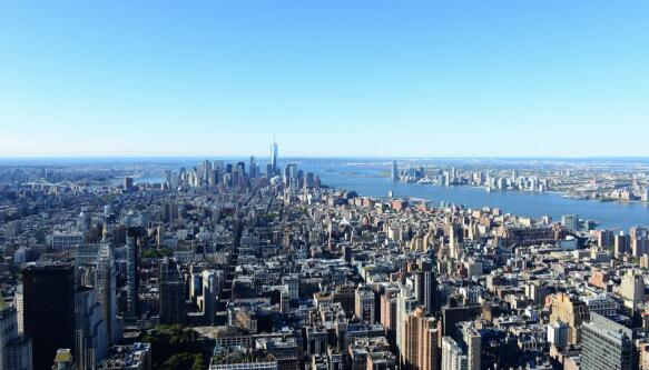 上海:加快推进城市更新 减轻房企入市成本压力