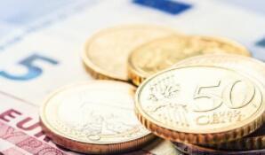 疫情引发股市抛售潮 美货币市场基金规模膨胀至近5万亿美元